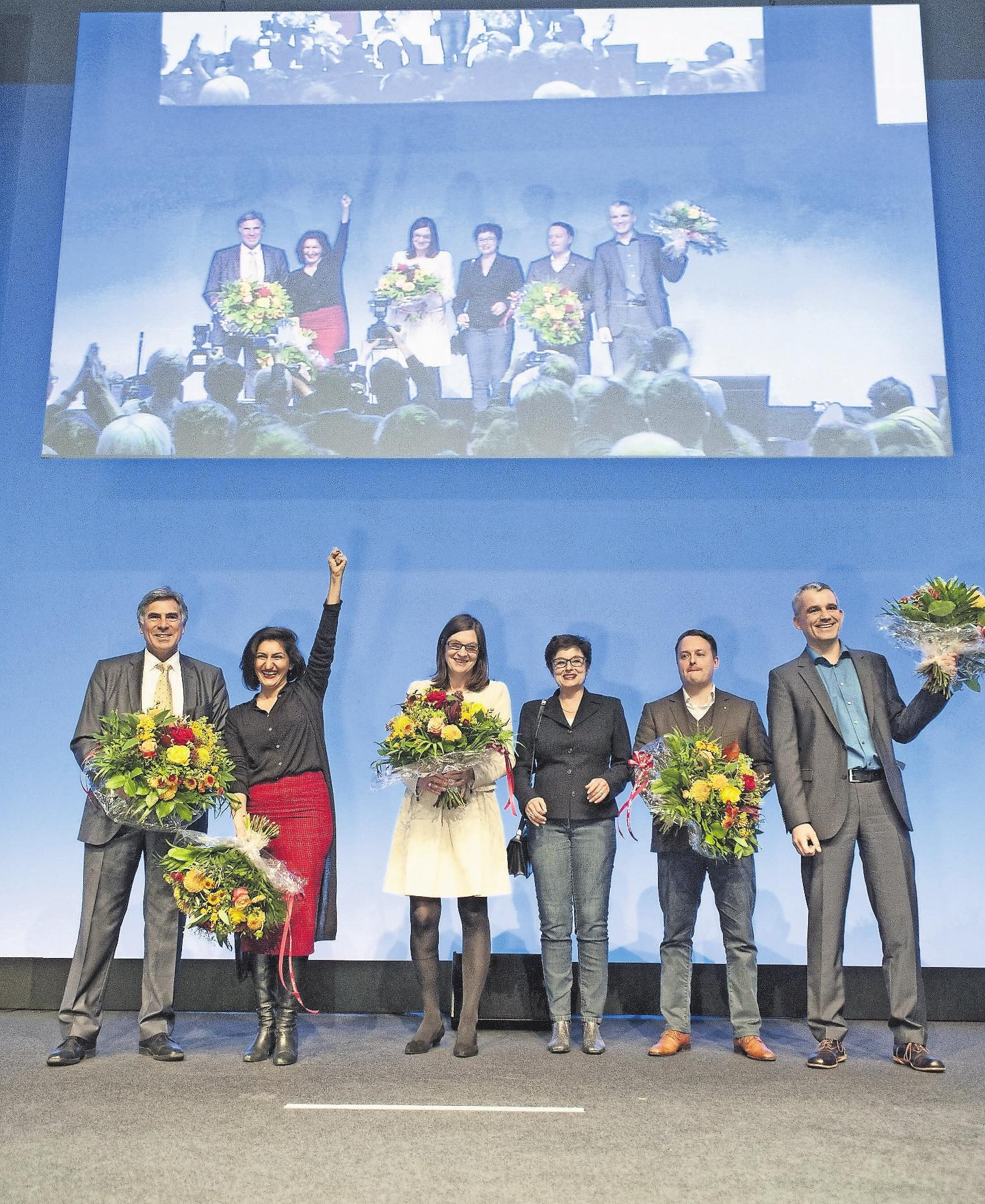 Hauchdünner Triumph: Sibel Arslan (Zweite von links) schnappte sich 2015 den fünften Sitz. Bild: Roland Schmid (Basel, 18. Oktober 2015)