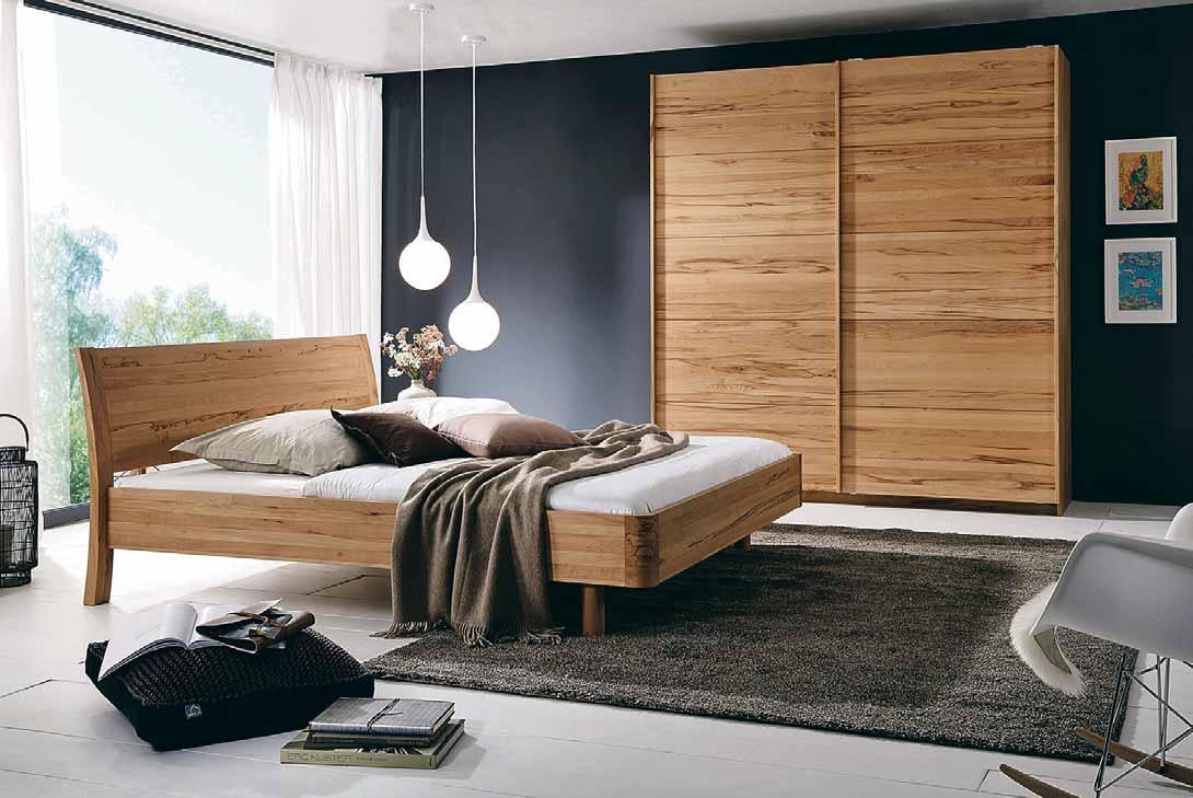 Besser schlafen ohne Kunststoff: Mit natürlichen Materialien und hochwertigen Hölzern lässt sich die Basis für eine erholsame Nachtruhe schaffen. Foto: djd/TopaTeam/Holzschmiede