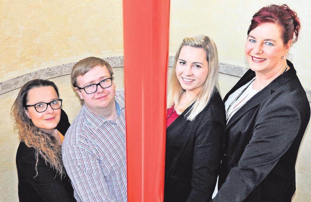 Katrin Homann (von links), Dennis Schindler, Sabrina Hohe und Verena Müller-Liebe sind die fachkompetenten Mitarbeiter/Innen im Büro.
