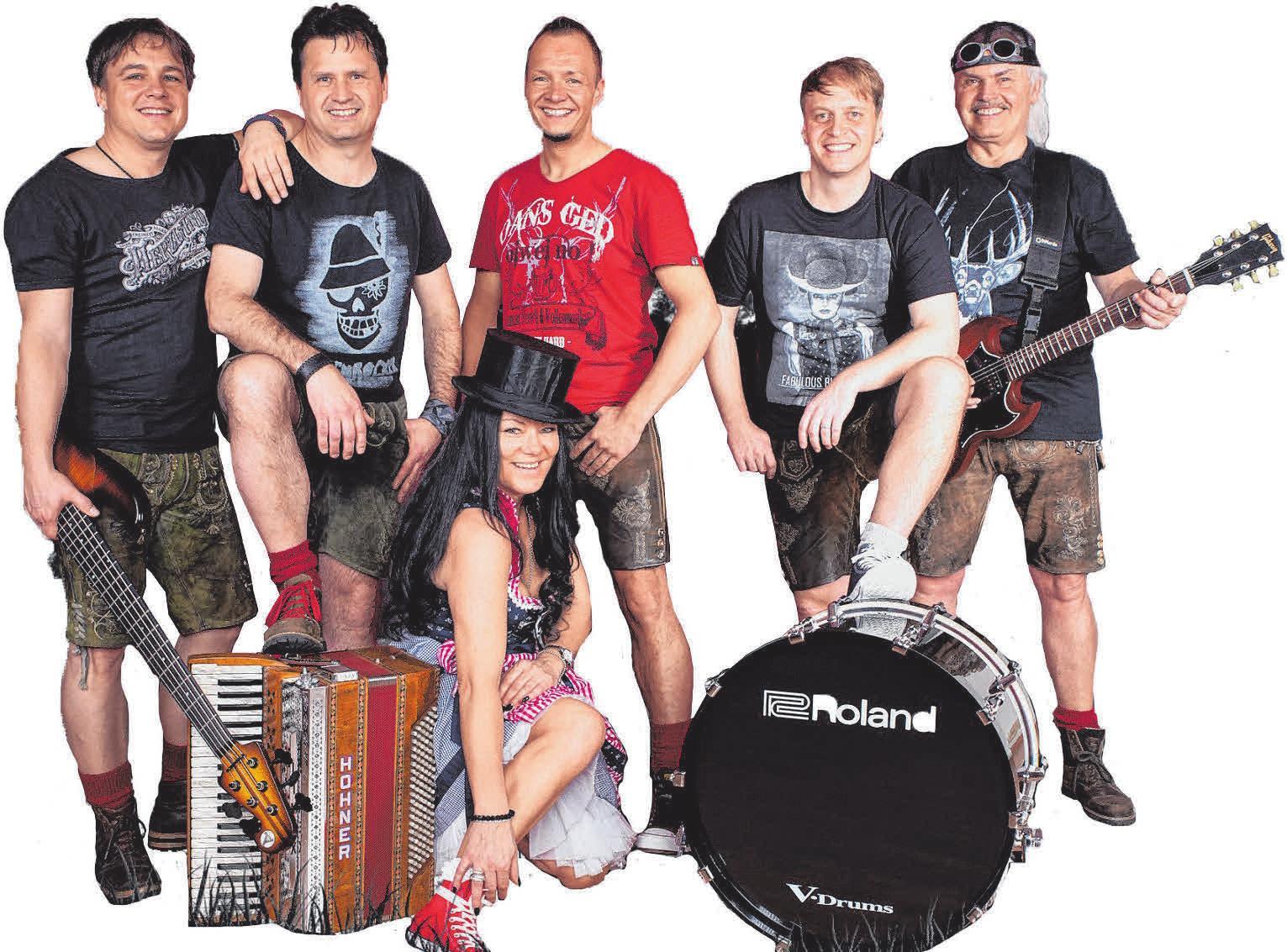 """Am Freitagabend wird die Band """"Hautnah"""" das Festzelt in Rottenacker rocken. FOTO: OH"""