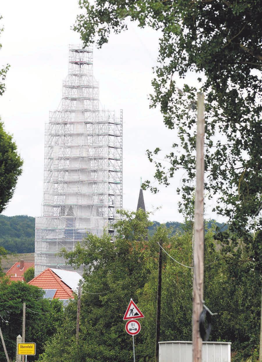 Sanierung des Kirchturms der katholischen St. Blasius-Kirche in Obernfeld.