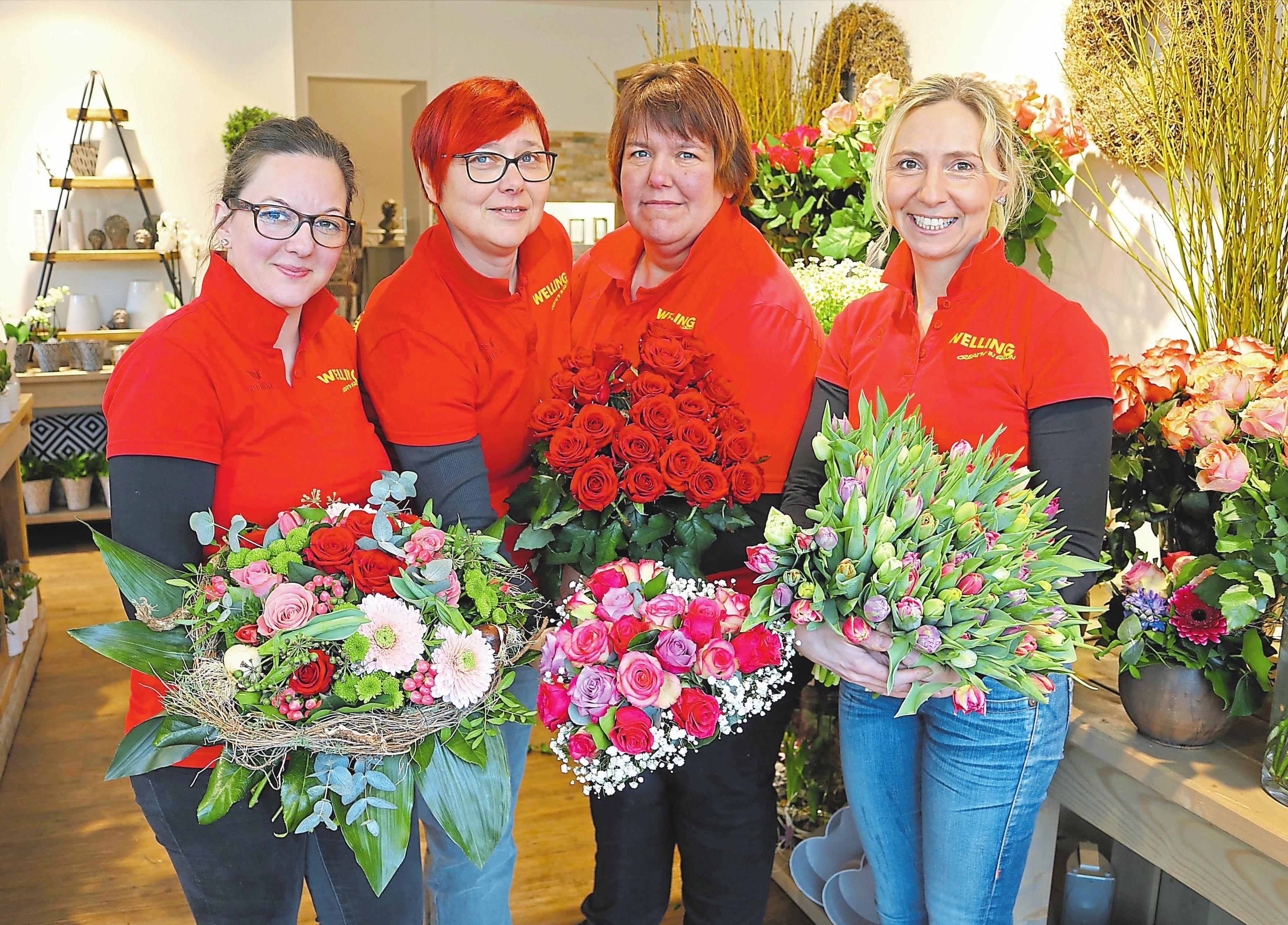 Lassen Blumen sprechen: Katharina Fritz, Birgit Wolf, Steffi Thoms und Barbara Welling (v.l.).