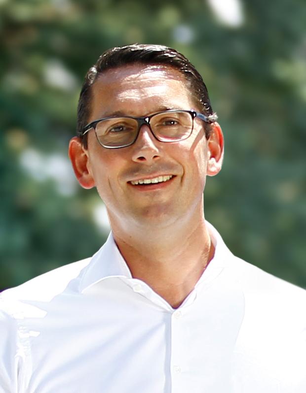 Christian Wolf, Geschäftsführer der Wolf Wurstspezialitäten GmbH, empfiehlt fürs Wintergrillen die Original Thüringer Rostbratwurst mit Kümmel in der rohen Variante.