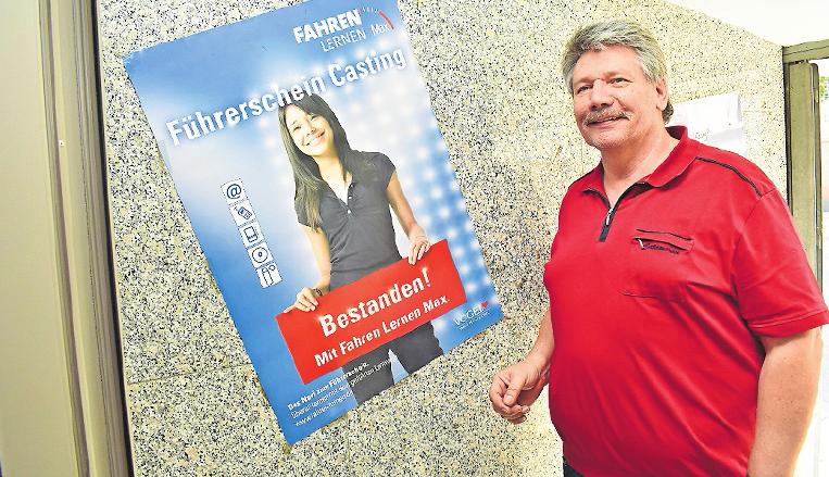Wünscht sich mehr Rücksicht im Straßenverkehr gegenüber Fahranfängern: Fahrlehrer Hans-Günter Reuther. FOTO: SCHENK