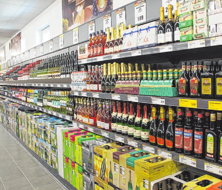 """Mit den """"Weinen des Monats"""" gibt NORMA jetzt auch in Leipheim den Kunden einen Extra-Tipp für ganz besondere Tropfen mit hervorragendem Preis-Leistungs-Verhältnis. Foto: Peter Rotherme"""
