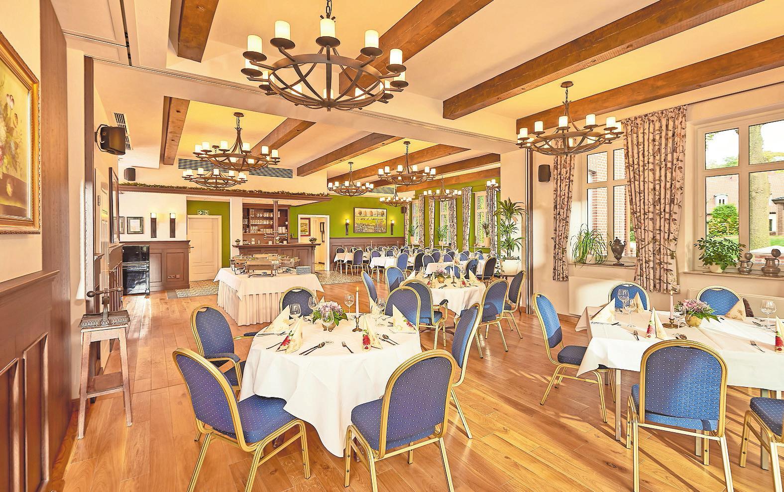 Der Tagungsraum: Voll klimatisiert und mit moderner Technik ausgestattet können hier Versammlungen und Tagungen abgehalten werden.