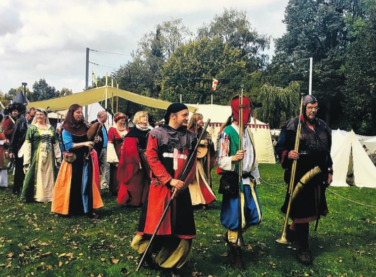 Zu den größten Veranstaltungen, die der RBK mitorganisierte, gehörte 2014 der Mittelaltermarkt, der anlässlich der 700-Jahrfeier Bargteheides veranstaltet wurde. Fotos: RBK