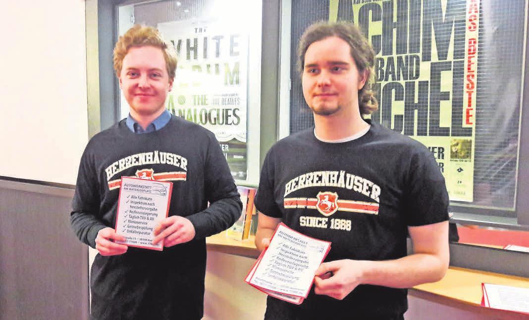 Die Herrnhäuser Brauerei wurde zuletzt von 3500 Besuchern dank der schicken T-Shirts wahrgenommen, die die beiden Verteiler der Programmhefte übergestreift hatten.