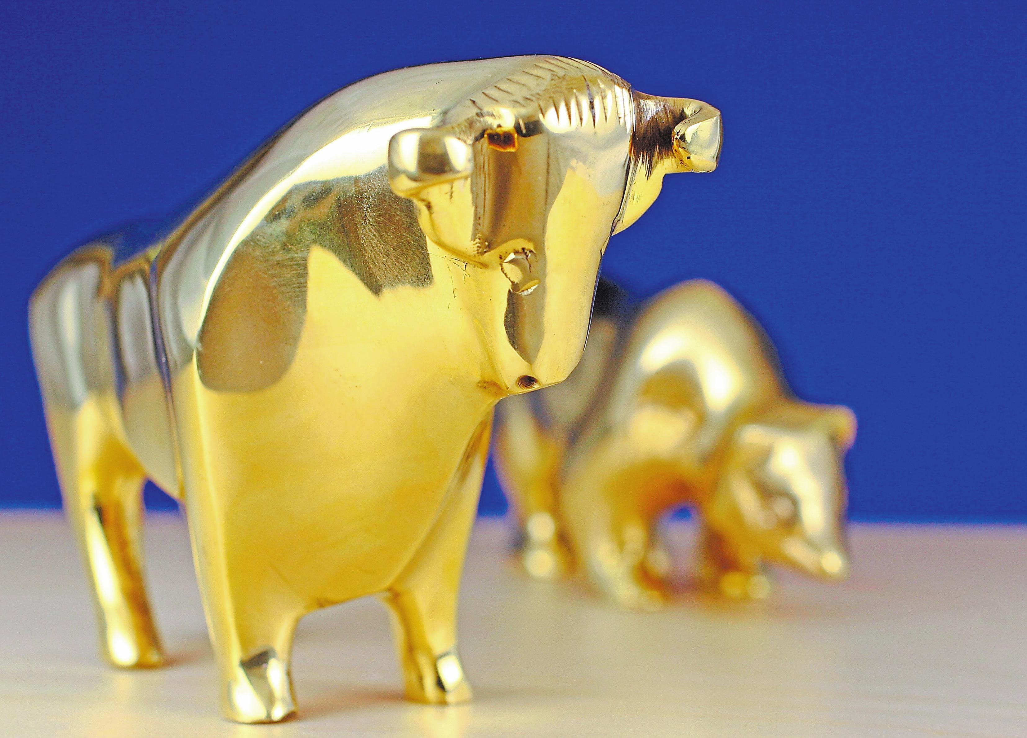Bulle und Bär sind die Symbole für steigende und fallende Aktienkurse. Foto: colourbox