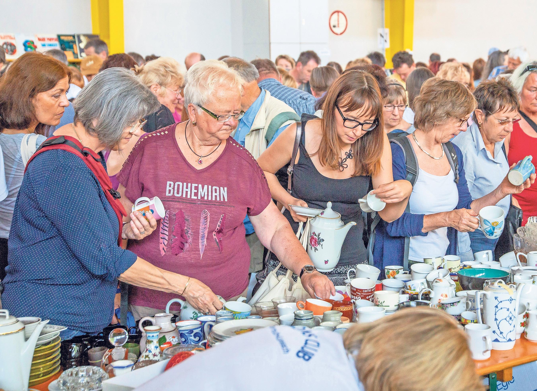 Kunst, Klamotten, Krimskrams und Kurioses: Der Lions-Flohmarkt in der Rotmainhalle ist ein Muss für Trödelfans und Flohmarktgänger.