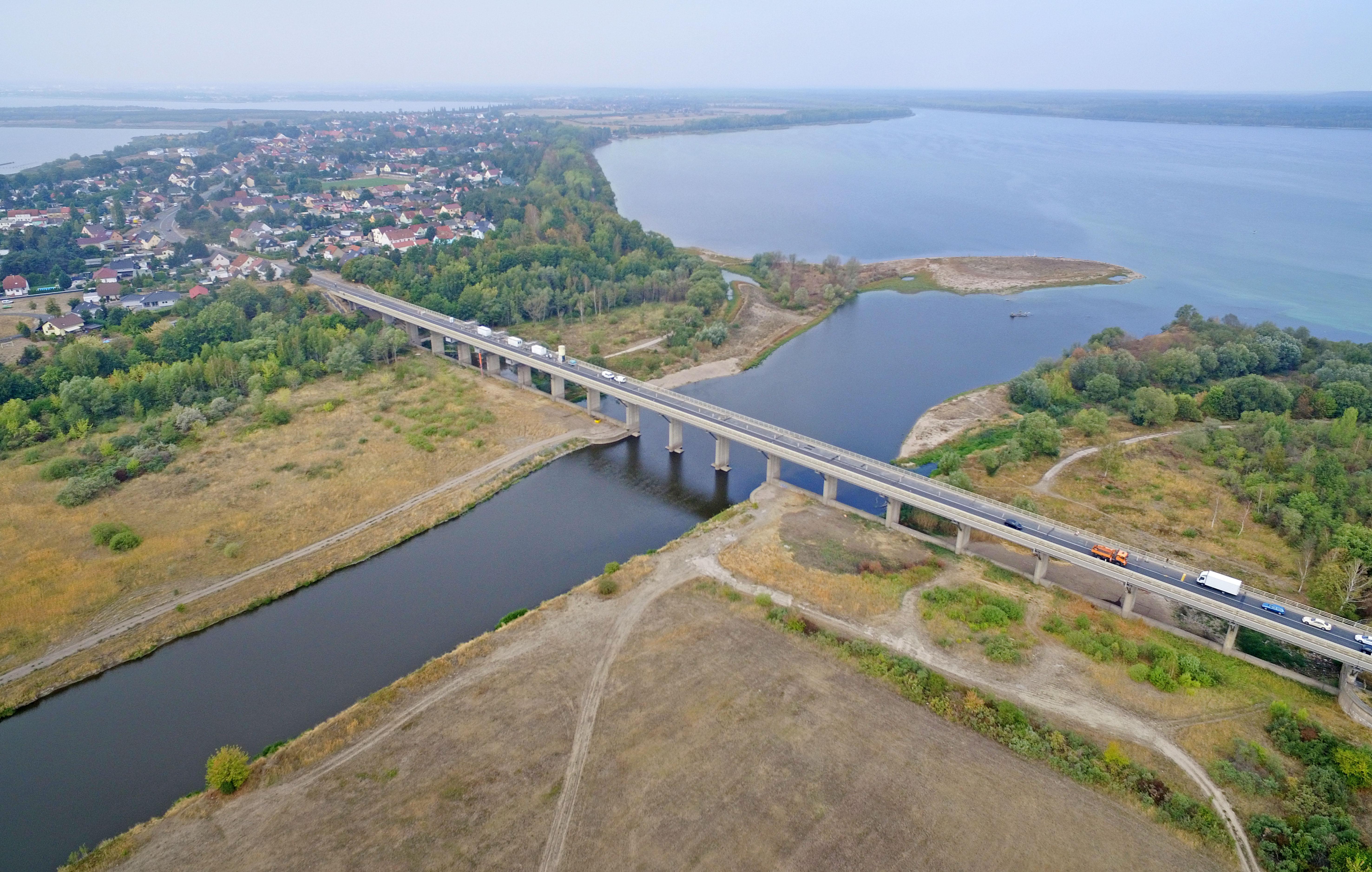 Der Muldestausee (rechts) wurde 1975 geflutet und hat sich seitdem zu einem beliebten Erholungsgebiet entwickelt.FOTO: ANDRÉ KEHRER