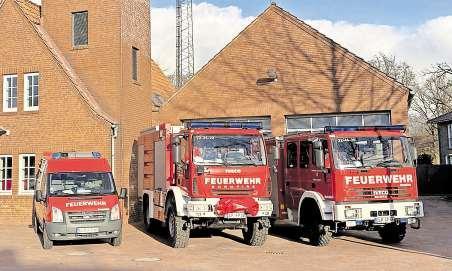 Die Einsatzfahrzeuge: Ein Mannschaftstransportwagen, das Tanklöschfahrzeug 16/45 und das Löschgruppenfahrzeug 8/6 mit Zusatzbeladung für technische Hilfeleistung stehen der Freiwilligen Feuerwehr Peheim zur Verfügung.