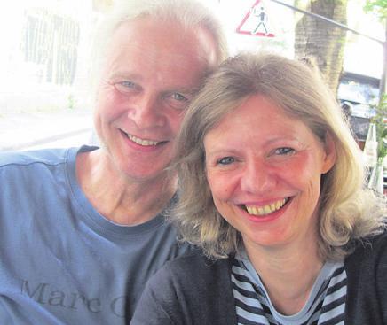 Ehepaar Cremer genoss diesen Blick von der Burg Blankenberg auf die Sieg. Claudia und Uwe Cremer nutzten die Ferien-Offerte des VRS intensiv aus.