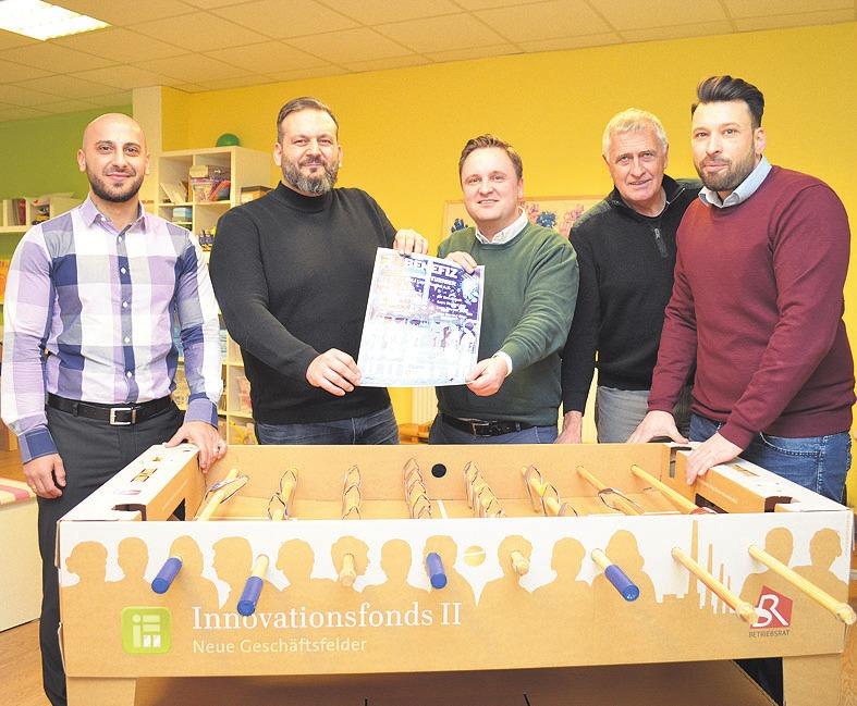 Stellten das Benefiz-Turnier vor: Hasan Dösemeci, Michele Zanfino, Lucas Weiß, Günther Wagner und Ennio Itri (von links).