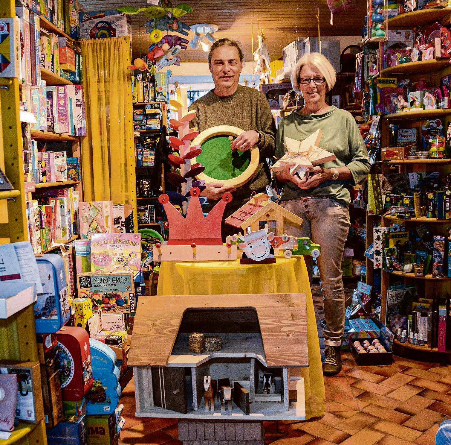 Irene und Roger Keller-Lämmler führen ihren Laden mit Begeisterung und Herzblut. Bild: Karin Erni