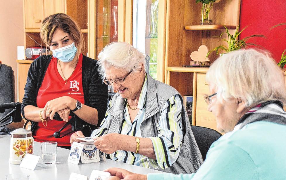 Ob Geschicklichkeitsübungen oder Gesellschaftsspiele – die Senioren werden vielseitig betreut.