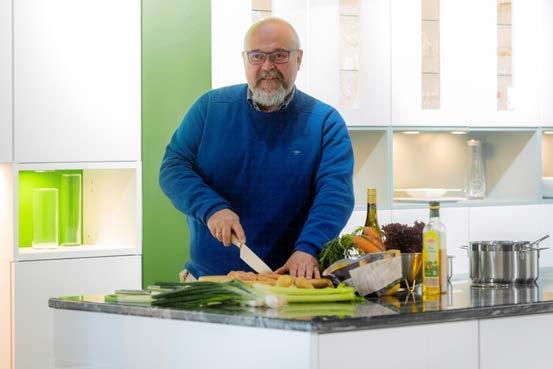 Ralf Bartsch ist Geschäftsführer von Wupper-Küchen an der Uellendahler Straße. Fotos: Andreas Fischer / Wupper-Küchen