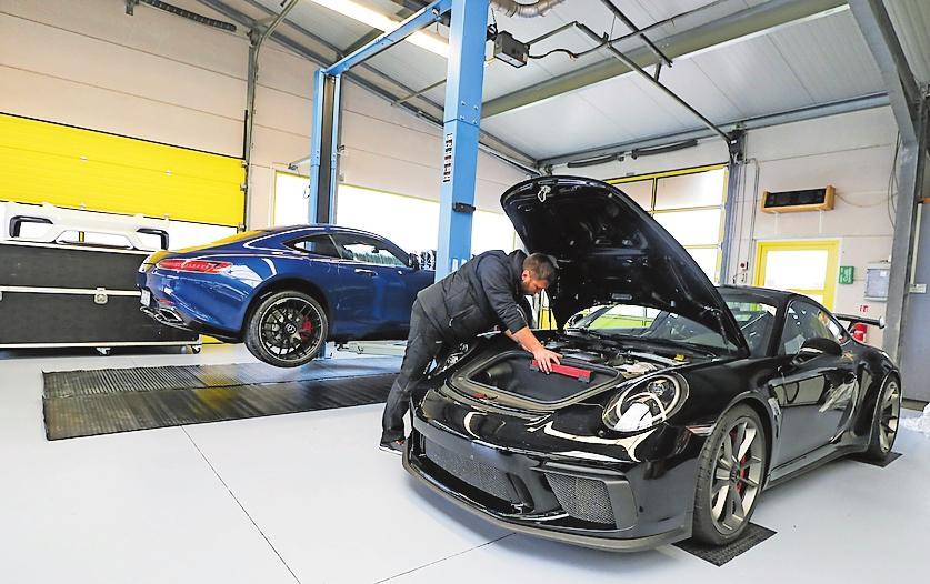 Service rund um den Sportwagen auf höchstem Niveau