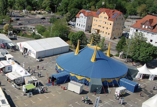 Auf den Bösmannsäckern in Reutlingen dreht sich am Wochenende alles um die Themen Bauen, Sanieren, Energiesparen, Mobilität und Gesundheit.Bilder: Kreishandwerkerschaft Reutlingen