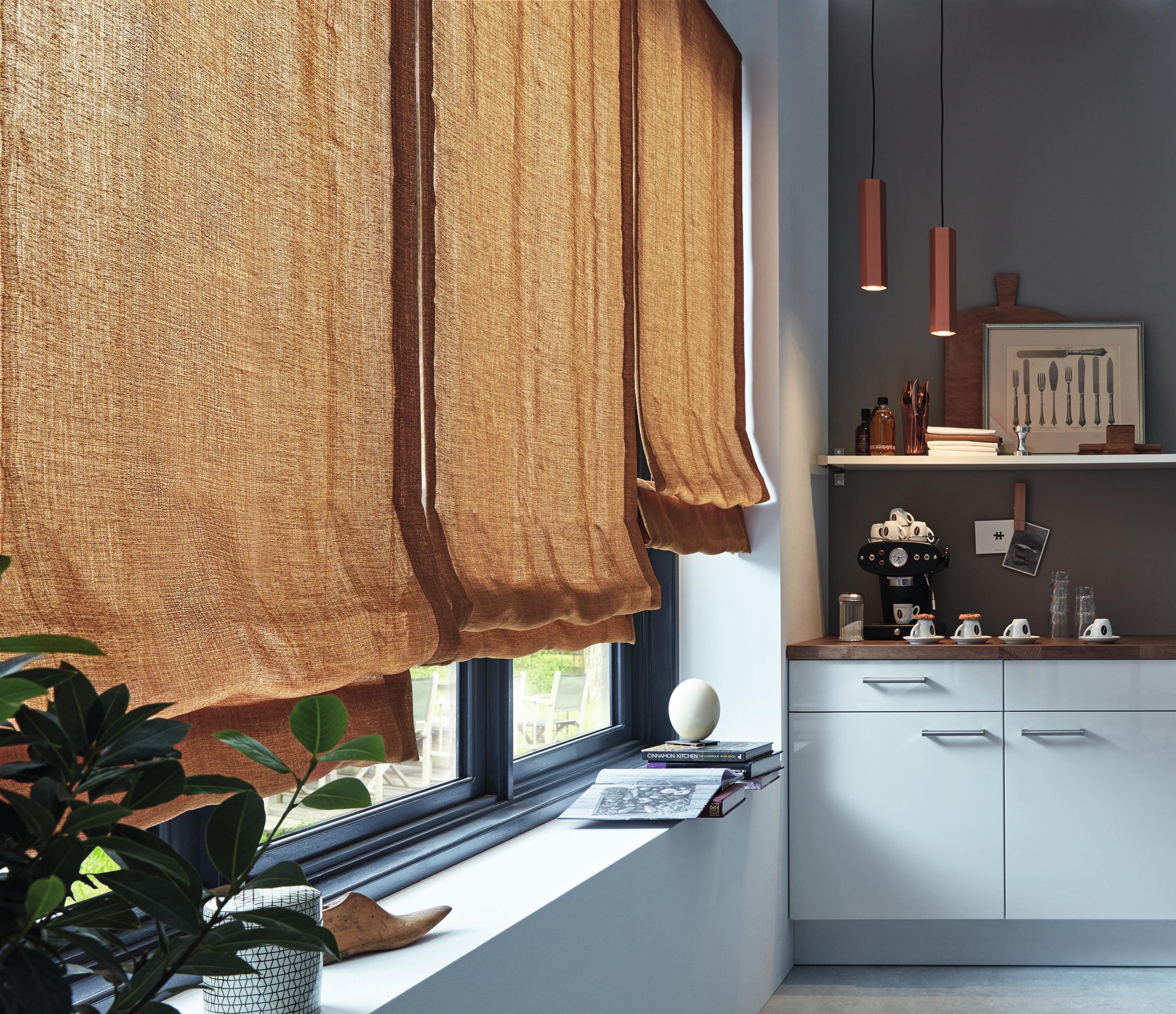 Farben wie erdiges Ocker und Braun wirken heimelig und machen gute Laune. Sie sind ideal für Wohn- und Esszimmer.FOTOS: GIB DIR STOFF/JAB/AKZ-O
