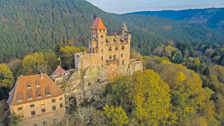 Im Wasgau wird auf der Burg Berwartstein wird ein Stück europäischer Gesichte lebendig. Bild: Burg Berwartstein