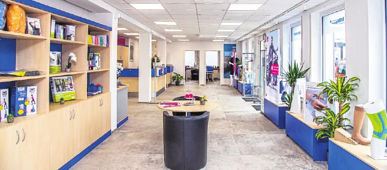 Das geräumige Ladengeschäft bietet ein großes Sortiment an Sanitäts-, Orthopädie- und Reha-Produkten. FOTO: STEFAN PFISTER