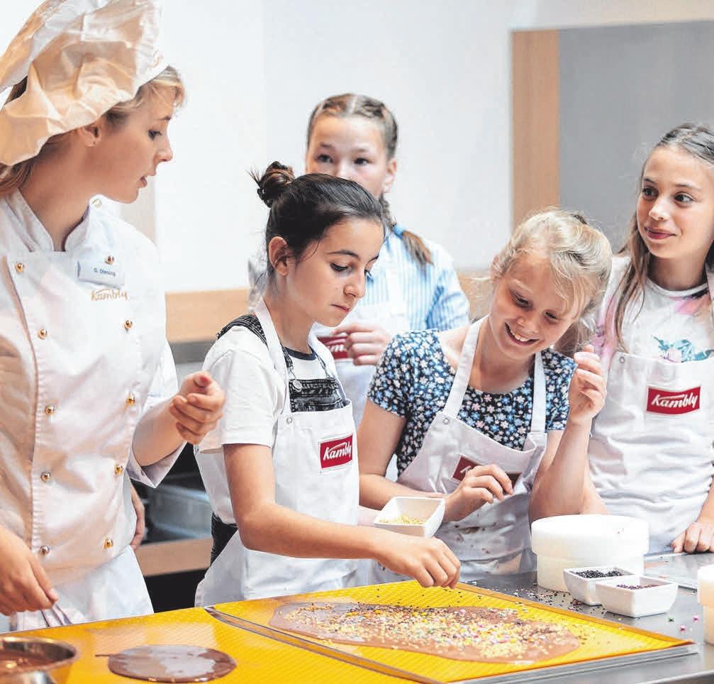 Im Erlebniscafé Tekrum Kambly können Sie eigene köstliche Kreationen herstellen. Fotos:Kambly/Zlomke