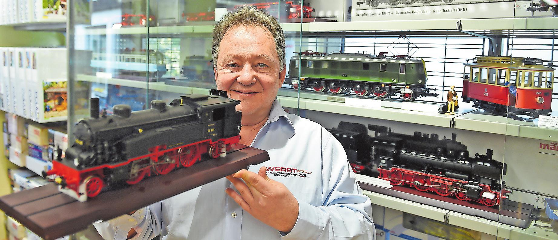Bernhard Werst und sein Team sind absolute Spezialisten für den Modellbau. ARCHIVFOTO: KUNZ