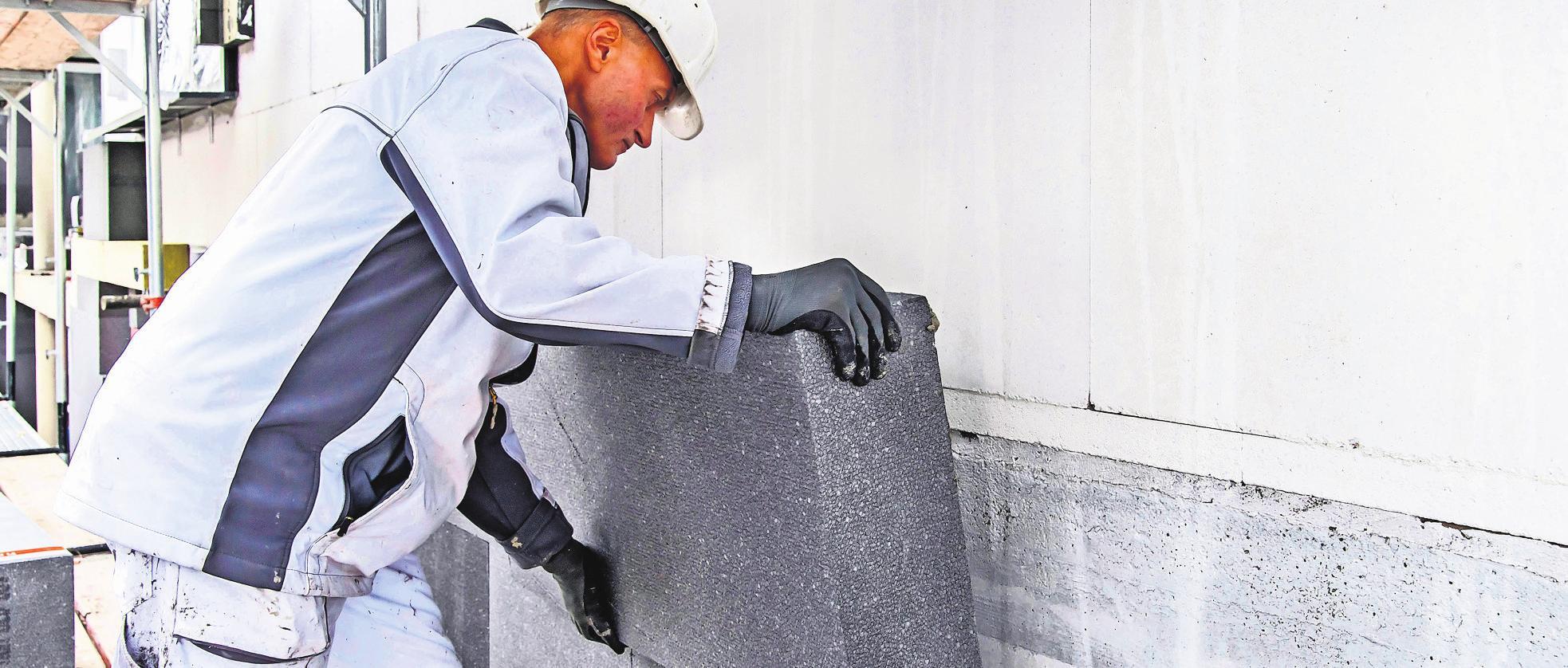 Beim Thema Klimaschutz sind alle Hauseigentümer gefragt: Das Dämmen der Fassade kann einen wesentlichen Beitrag zur Emissionsreduzierung leisten.Foto: djd/FSDE/BASF