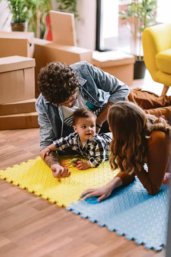 Lebensumstände ändern sich, zum Beispiel wenn Nachwuchs kommt. Eine Immobilienfinanzierung sollte daher flexibel gestaltet werden. Foto: djd/Dr. Klein Privatkunden/Getty Images/Anchiy