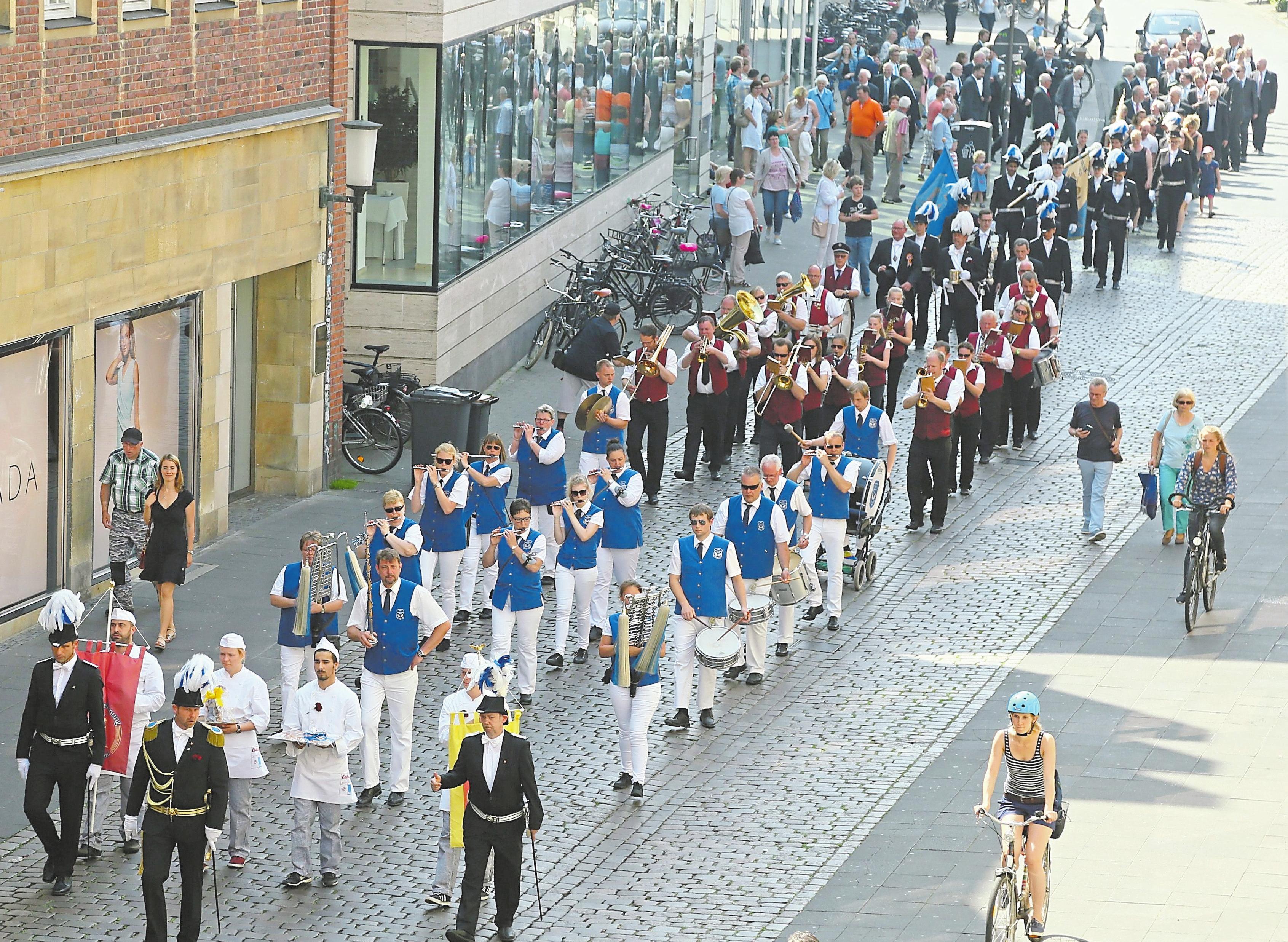 """Mit einem großen Festzug durch die Stadt feiern die Bäcker und Konditoren am 17. Juni ihren """"Guten Montag"""". Foto: Oliver Werner"""
