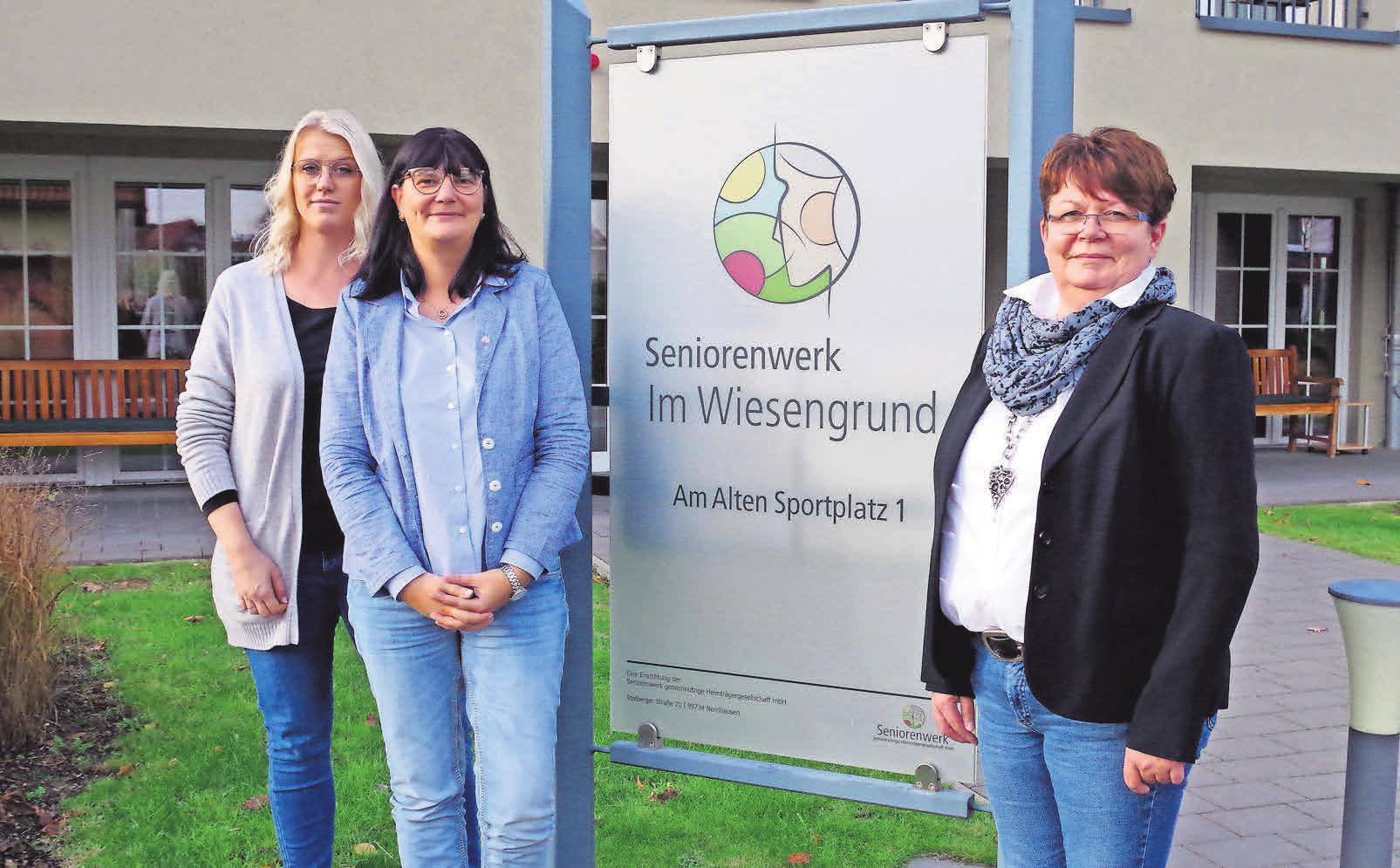 Pflegedienstleiterin Karoline Moss (von links), Einrichtungsleiterin Simone Habben und Anette Paternoga vom Ambulanten Dienst sind ein eingespieltes Team.