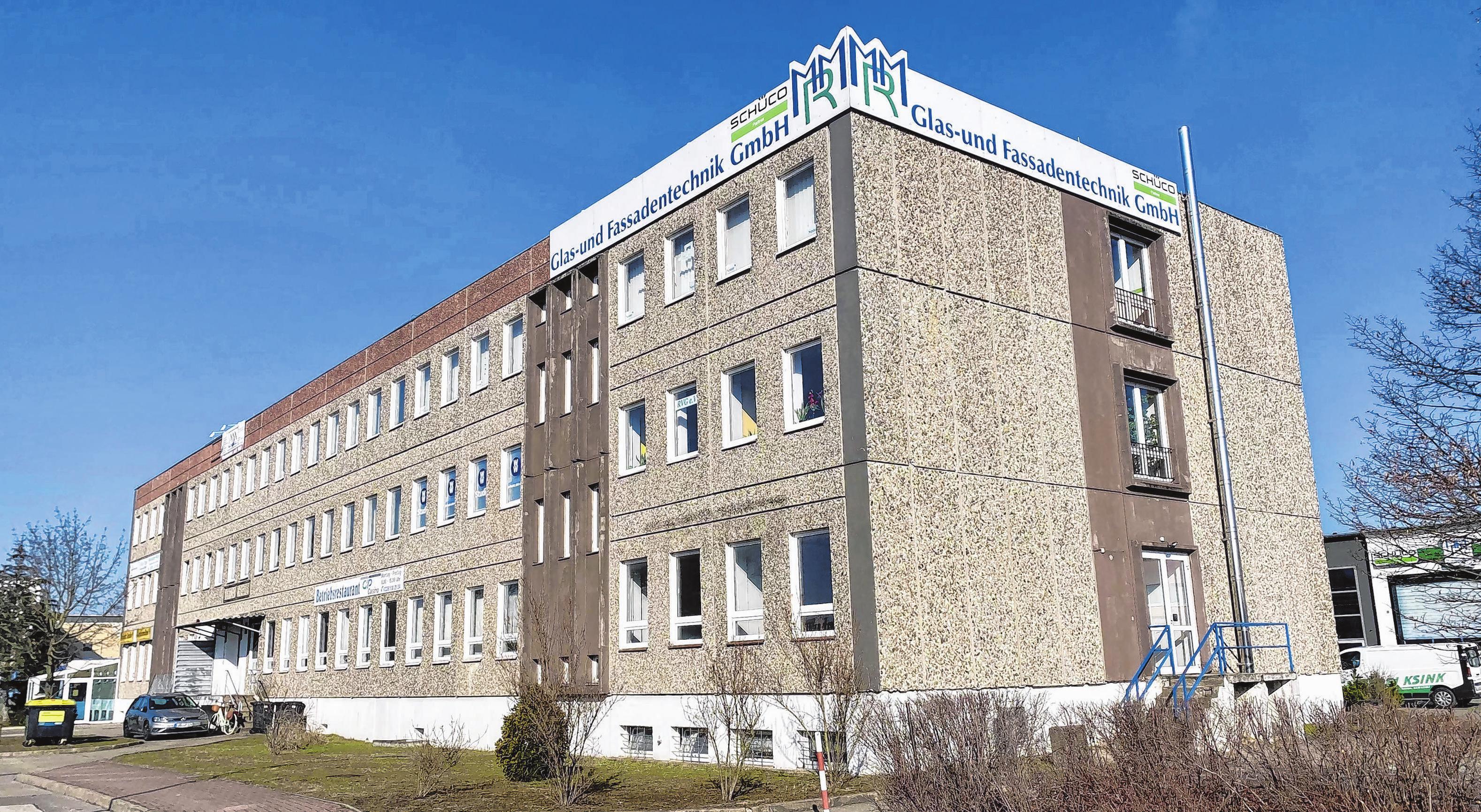 Mitarbeiter der MRM Glas- und Fassadentechnik GmbH sind deutschlandweit unterwegs.