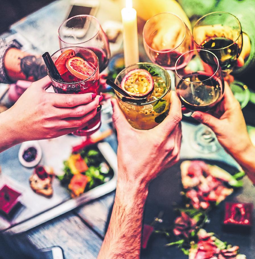 Zu einem gelungenen Grillabend mit Familie oder Freunden gehört nicht nur das Grillgut, sondern auch erfrischende Getränke.