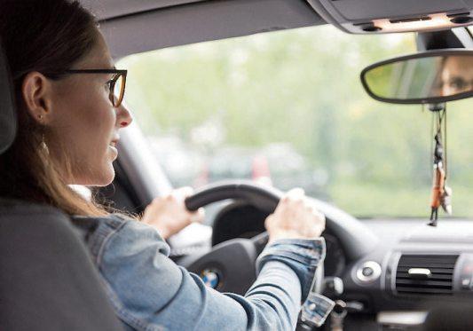 Gerade im Straßenverkehr ist gutes Sehen extrem wichtig.