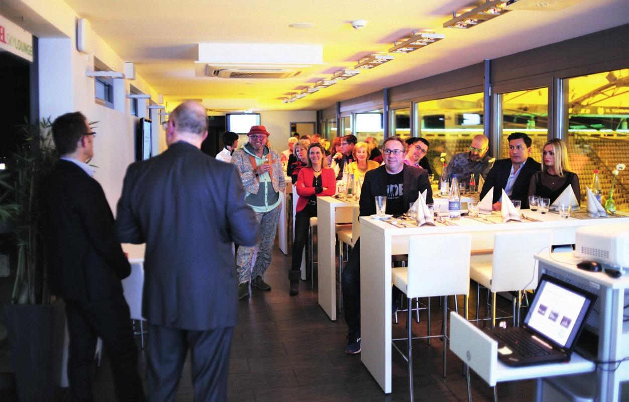 Am 29. Januar informierte die WMG Gewerbetreibende, Freiberufler und Immobilieneigentümer aus der Wolfsburger Innenstadt über das diesjährige Veranstaltungsprogramm für die mittlere Porschestraße. Knapp 30 Gäste folgten der Einladung in die Skylounge der Volkswagen Arena. Foto: ©WMG Wolfsburg