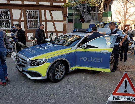 Ein Ausflug nach Reutlingen lohnt sich am Sonntag gleich doppelt. Parallel zum 20. Tag der Sicherheit haben die Geschäfte in Reutlingen am 20. Oktober von 13 bis 18 Uhr zum verkaufsoffenen Sonntag geöffnet und freuen sich auf viele Besucher. Bilder: StaRT