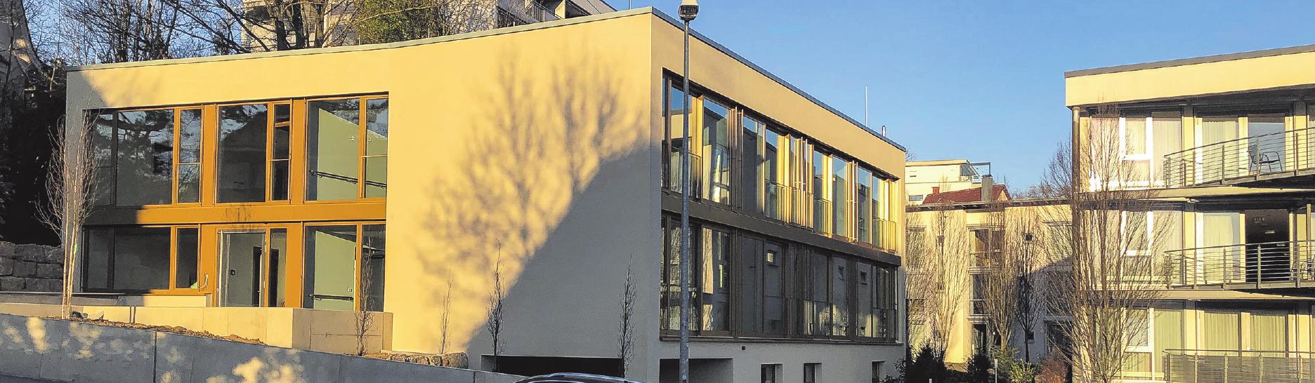 Der Hospizbau schließt direkt an das bestehende Pflegeheim St. Franziskus an.