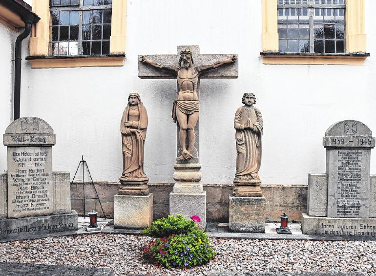 Das Kriegerdenkmal erinnert an die Opfer der beiden Weltkriege.
