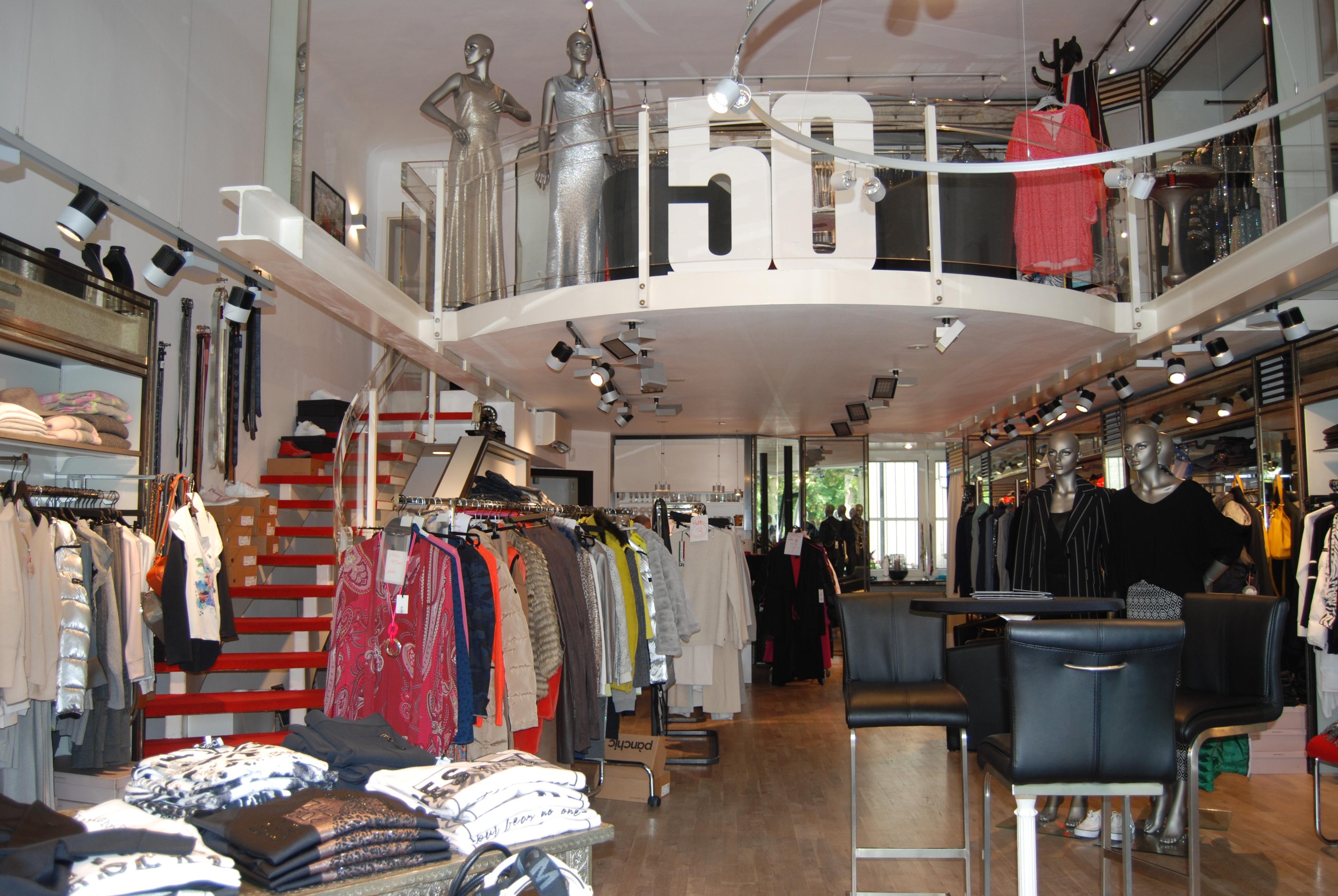 Das Ladengeschäft in der Wilhelmstraße wartet stets mit den neusten Modetrends auf – fachkundige Beratung inklusive. Foto: Sylvia Winnewisser