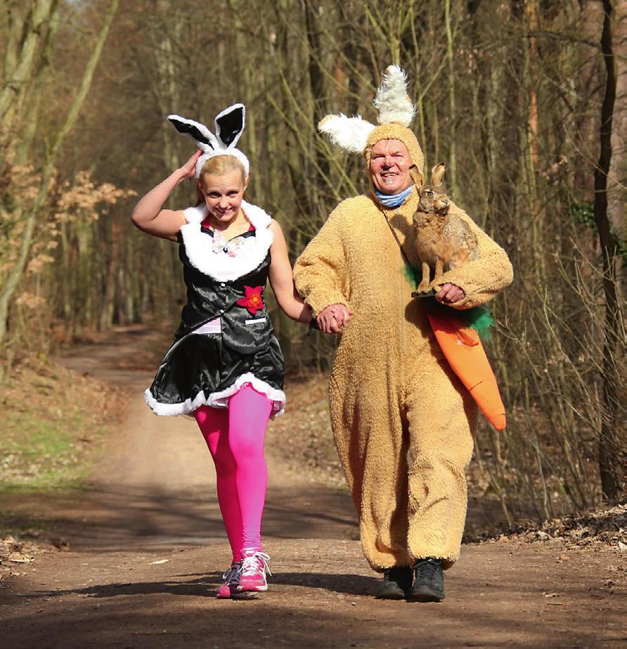 Ostern kann kommen: Osterhase Paech mit Begleitung