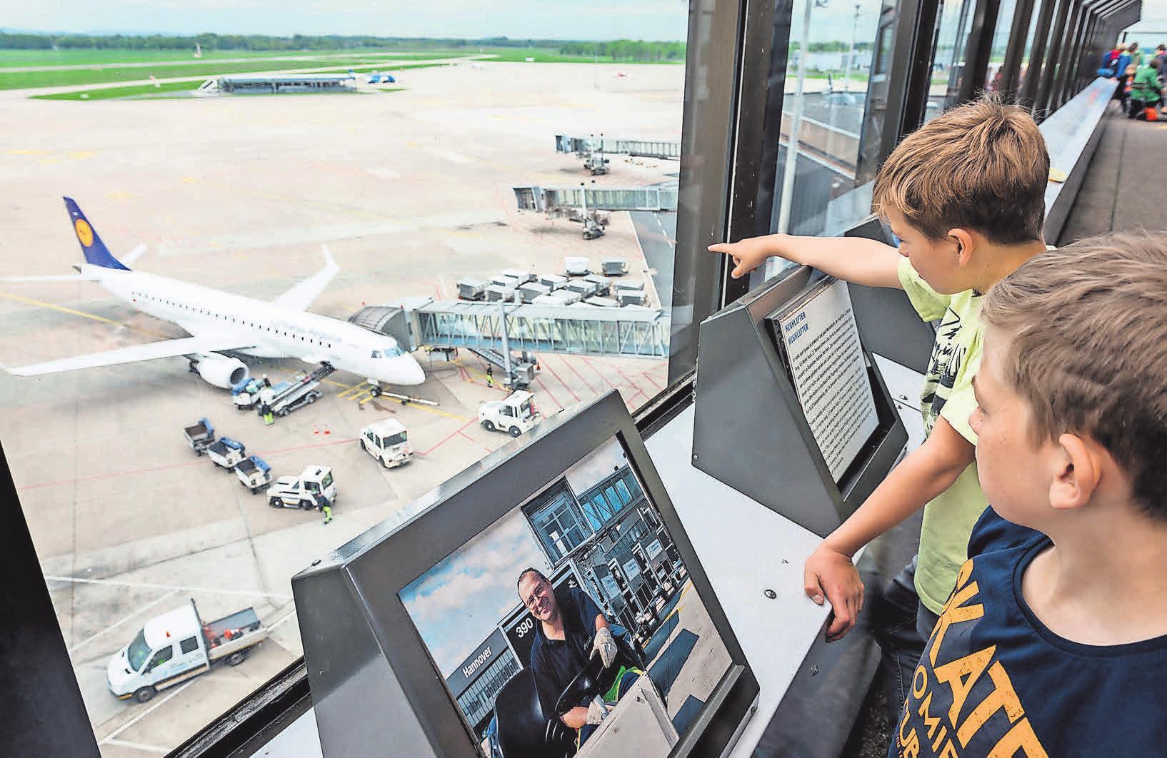 Die Faszination Fliegen erlebt die Jugend hier spielend. Foto: Hannover Airport, Maasewerd