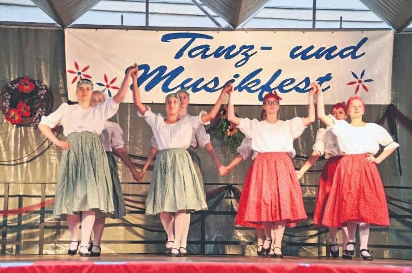 Folklore-Programm zum Tanz- und Musikfest.Foto: Stadt