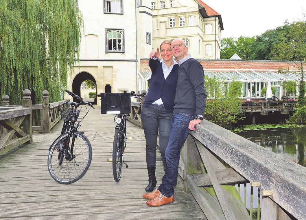 """Jörn Pache empfiehlt den Landkreis Gifhorn als """"ideales Radwandergebiet"""" für Einheimische und Besucher. Fotos: Südheide GmbH"""