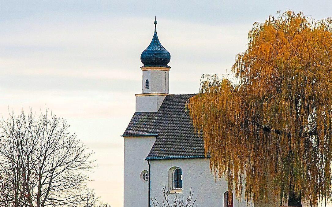 Eines der Wahrzeichen von Eitensheim ist die weithin sichtbare Sebastian-Kapelle. Foto: Gemeinde Eitensheim