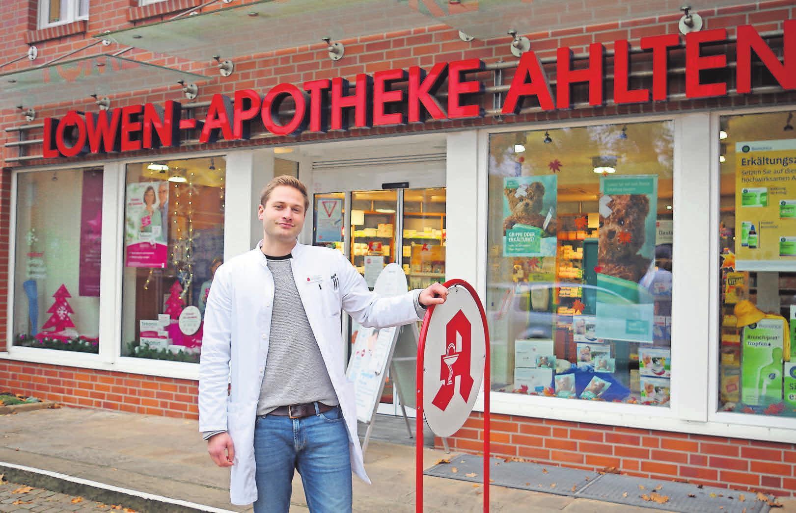 Der Apotheker Tim Rüggeberg kümmert sich um die Gesundheit der Ahltener.