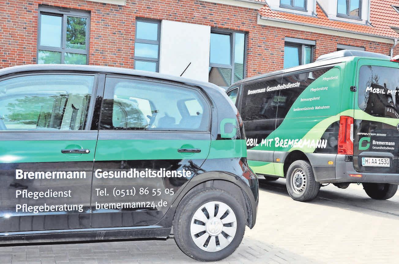 Die Fahrzeuge von Bremermann Gesundheitsdienste gehören mittlerweile zum Bild von Pattensen und Umgebung.