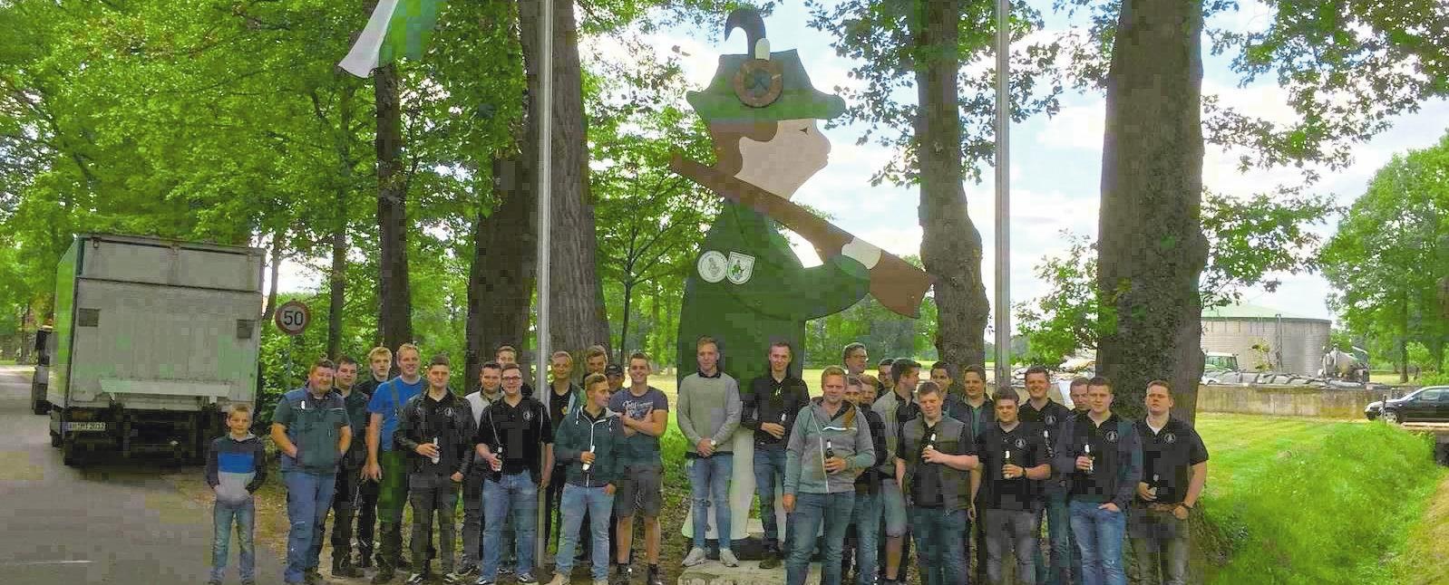 """""""Hartmut"""" wird abwechselnd von den Jungschützen St. Katharina und Hubertus zu den jeweiligen Schützenfesten gebaut. Foto: privat"""