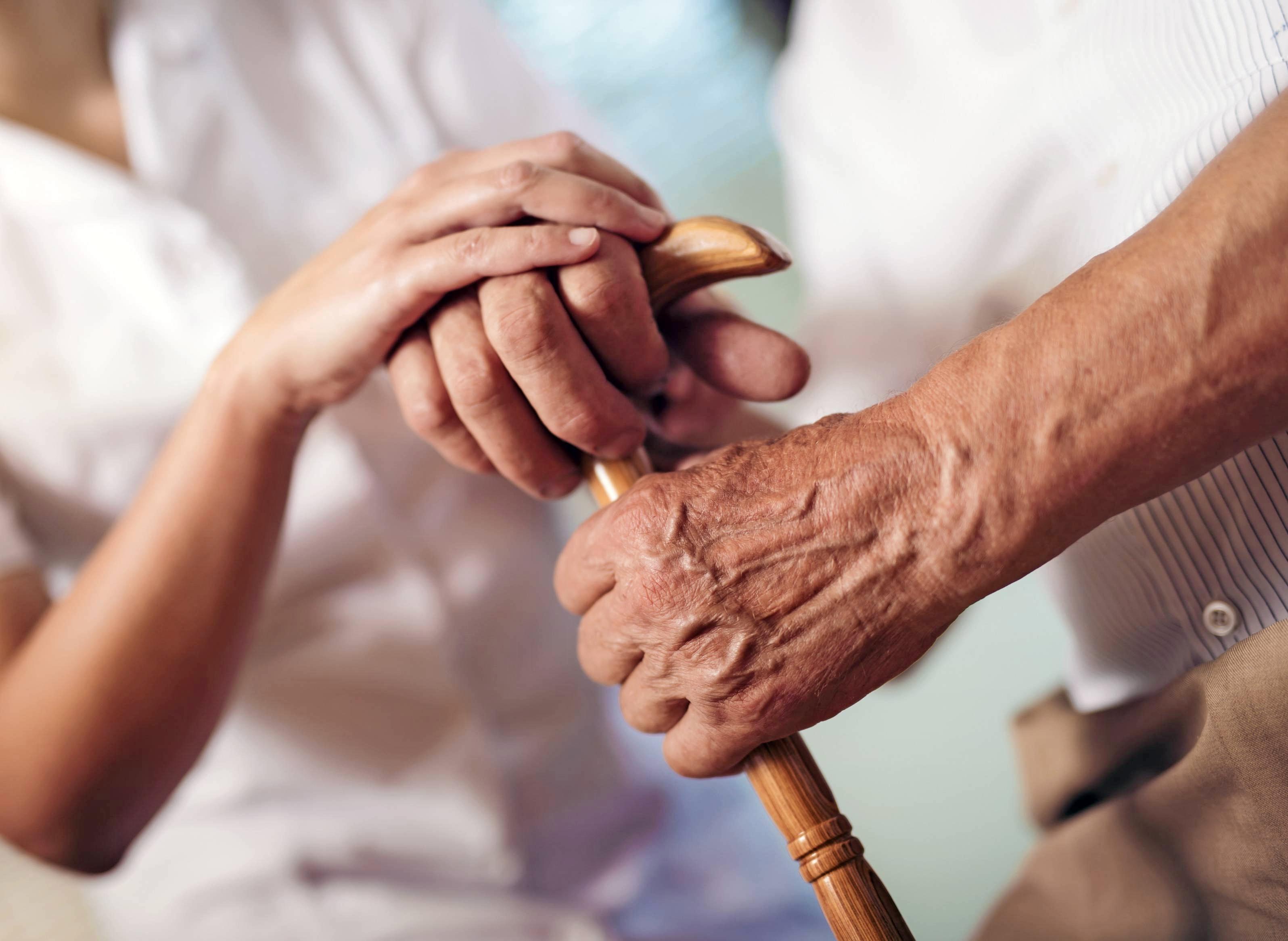 Über 830000 Pflegebedürftige greifen mittlerweile auf einen ambulanten Pflegedienst zurück, wie das ZQP mitteilt. Foto: Mediteraneo/stock.adobe.com