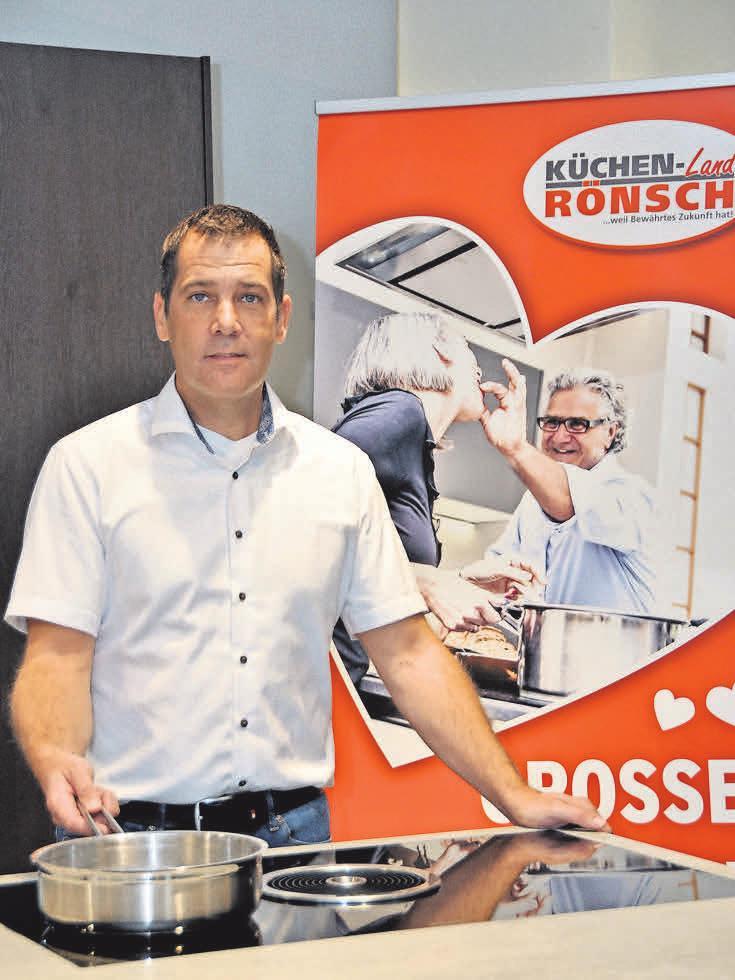 Andreas Rönsch freut sich, dass die Ausstellungsräume des Unternehmens...